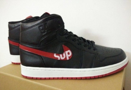 Air Jordan 1 Retro Shoes Black/red white