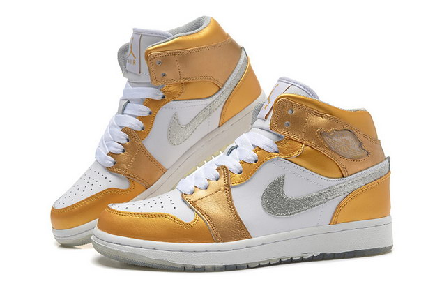 Jordan 1 Girls Shoes white/gold/silver