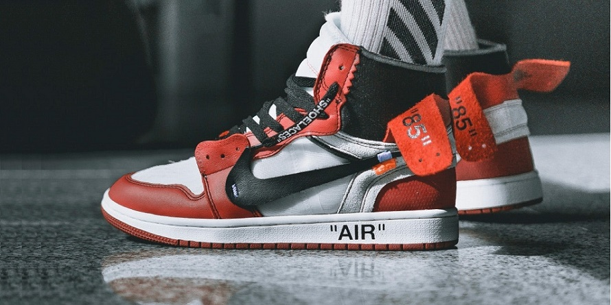 NIKE OFF WHITE X AIR JORDAN 1